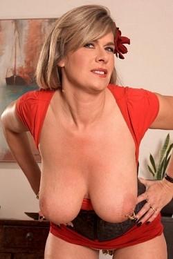 Marina Rene - MILF model
