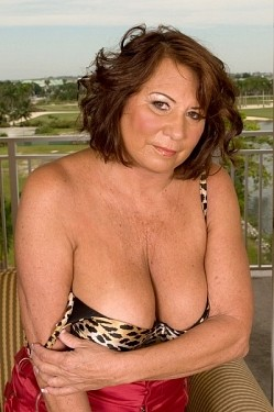 Suzie Wood -  Granny model