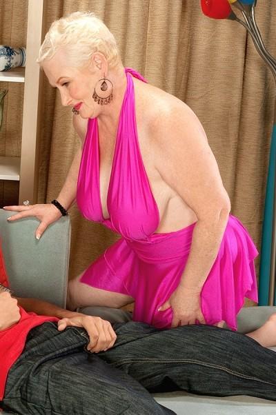 nude sex skinny gif