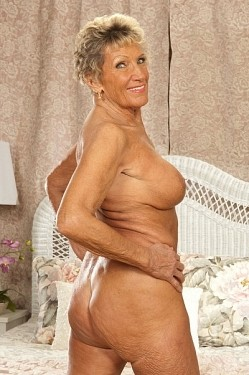 Sandra Ann -  MILF model