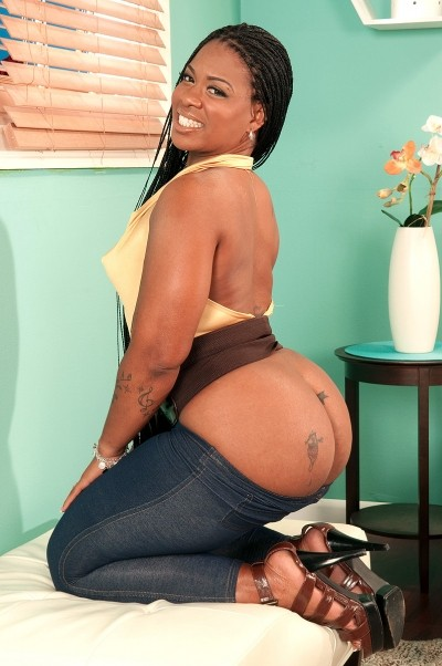 Neecie Hardy -  Big Butt model