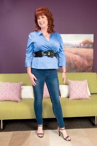 Shirley Lily - MILF model