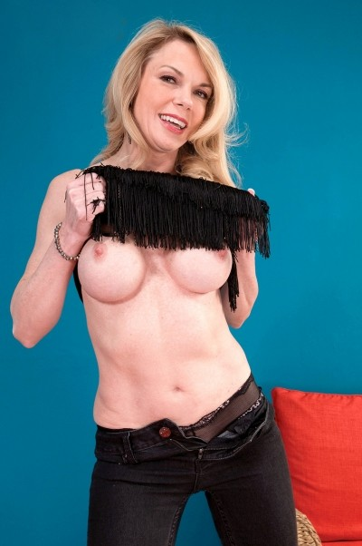 Alexa Rae - MILF model