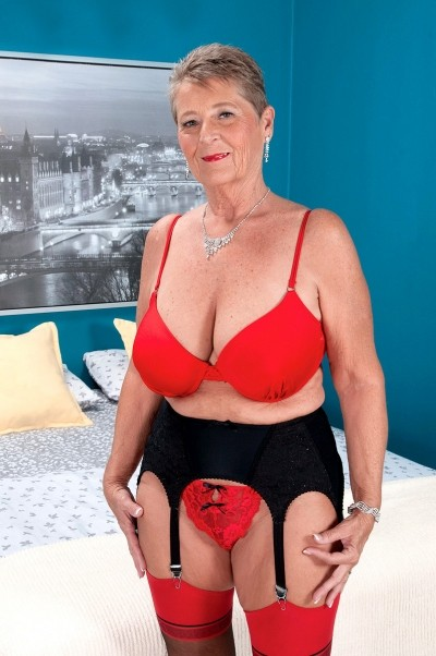 Joanne Price - Granny model