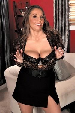 Stacie Starr - MILF model