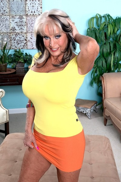Sally D'Angelo - MILF model