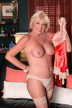Scarlet Andrews -  Granny model