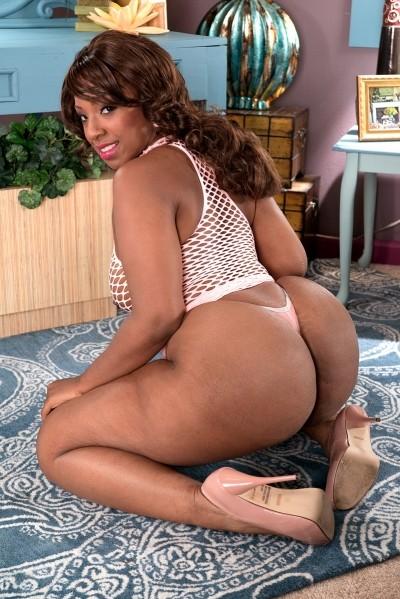 Layla Monroe - Big Butt model