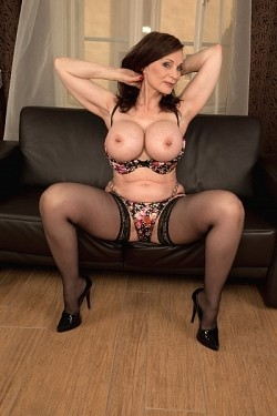 Michaela O'Brilliant -  MILF model