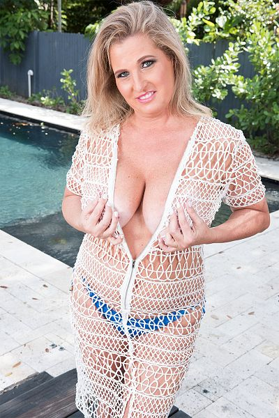 Candace Harley - Big Tits model