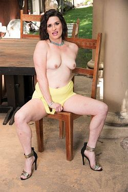 Michele Marks -  MILF model