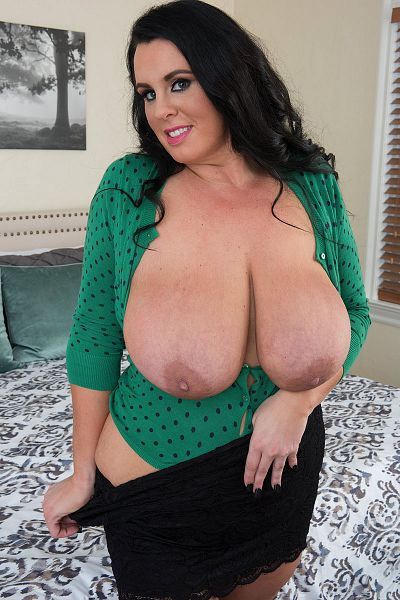 Kat Bailey  -  BBW model