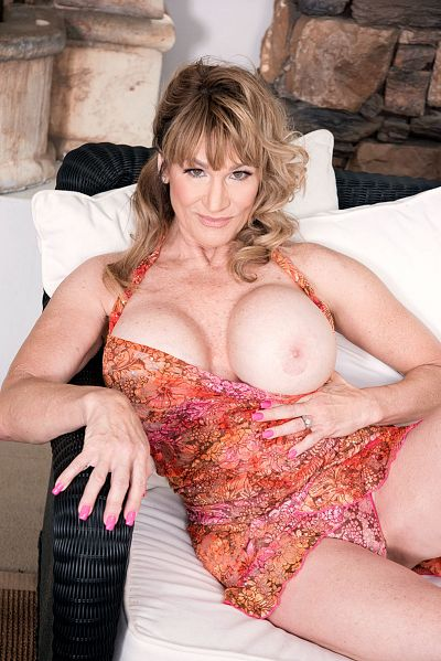 Roxy Royce - MILF model