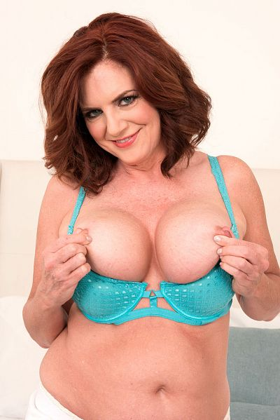 Andi  James -  MILF model