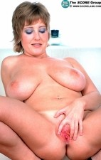 Davina Armstrong - Solo Big Tits photos