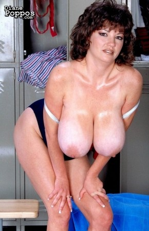 Diane Poppos - Solo Big Tits photos