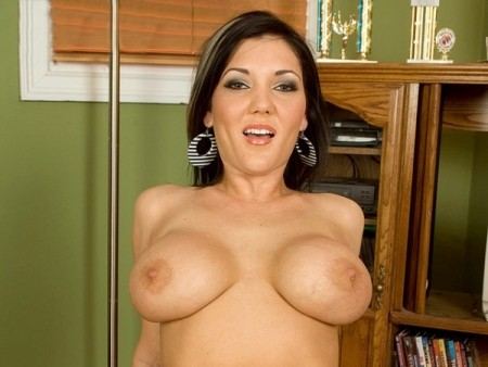 Claire Dames - XXX Big Tits video