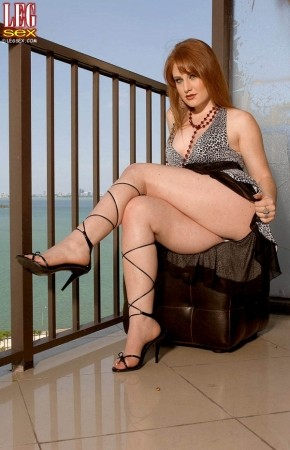 Lucy Fire - Solo Feet photos