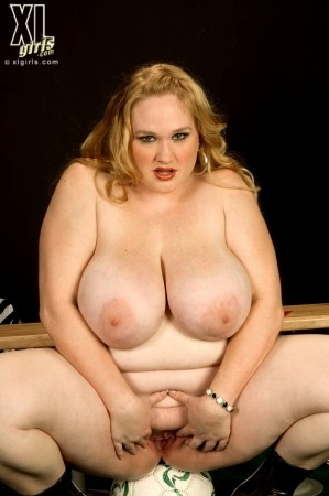 Allysa Andrews - Solo BBW photos