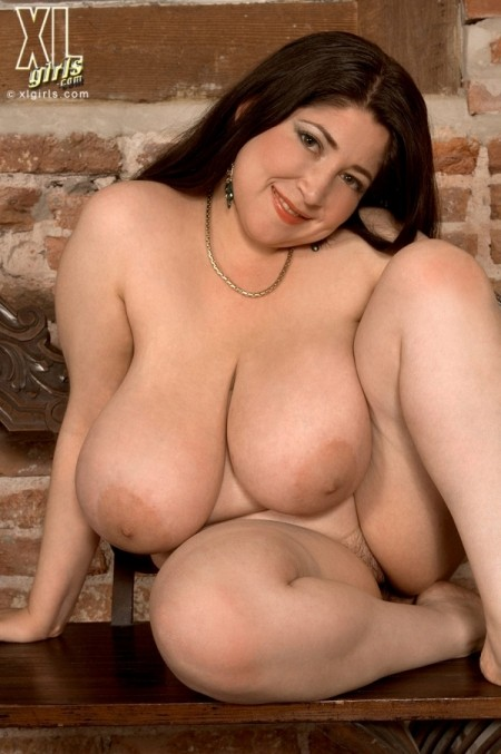 Diana - Solo BBW photos