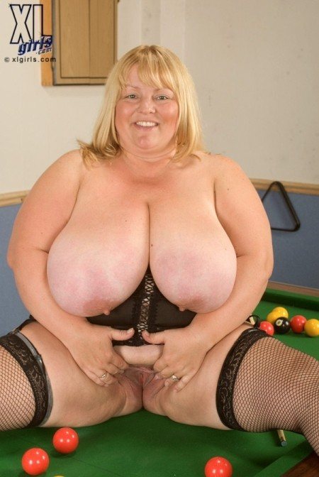 Kelly James - Solo BBW photos