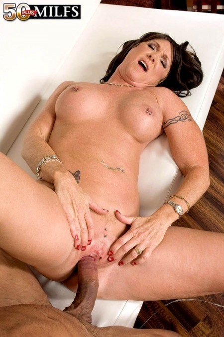 Honey Ray - XXX MILF photos