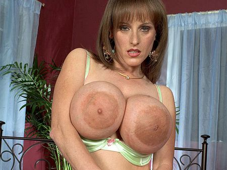 Cindy Cupps - XXX Big Tits video