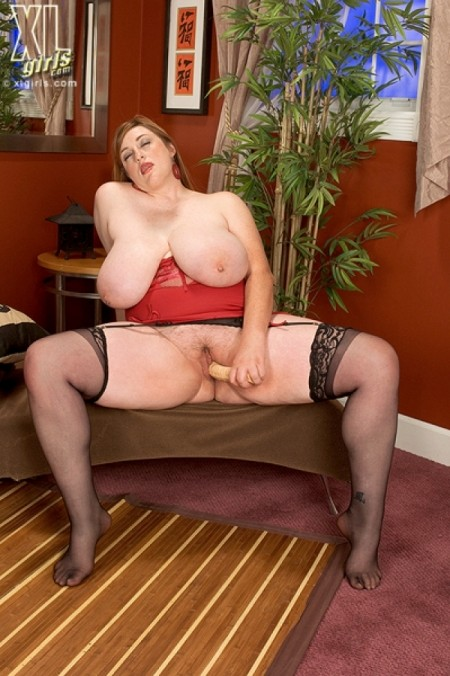 Alice Webb - Solo BBW photos