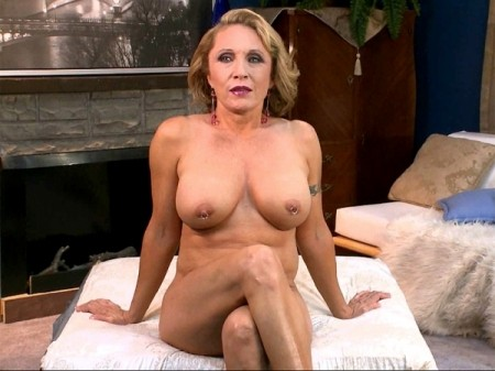 Kira knight completely naked