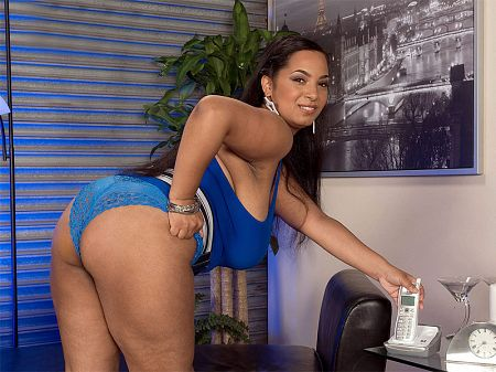 Camelia Davis - XXX Big Tits video