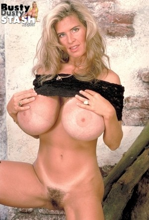 Busty Dusty - Solo Classic photos