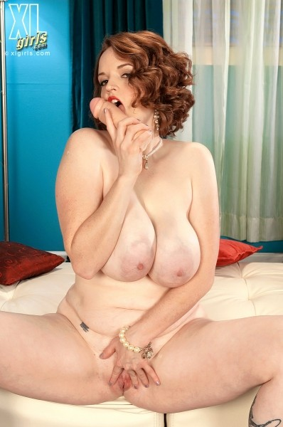 Bebe Cooper - Solo BBW photos
