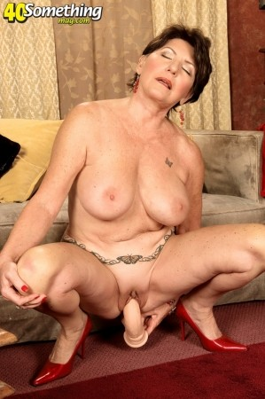 Bea Cummins - Solo Granny photos
