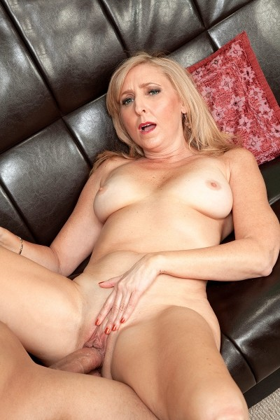 Jasmine Fields - XXX MILF photos