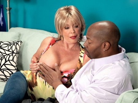Lexi McCain - XXX Granny video