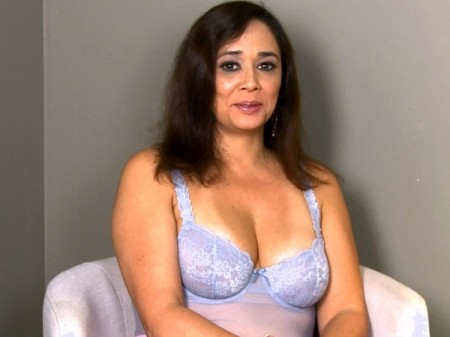 Alesia Pleasure - Interview MILF video