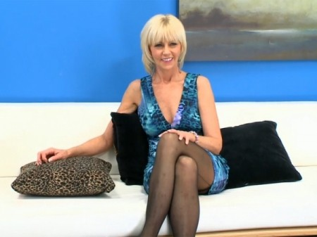 Eve Bannon - Interview MILF video