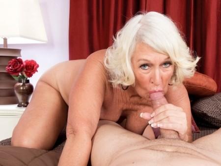 Jeannie Lou - XXX MILF video