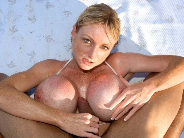 Morgan Leigh's only tits & tugs scene