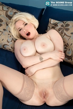 Goldie Ray - Solo Feet photos