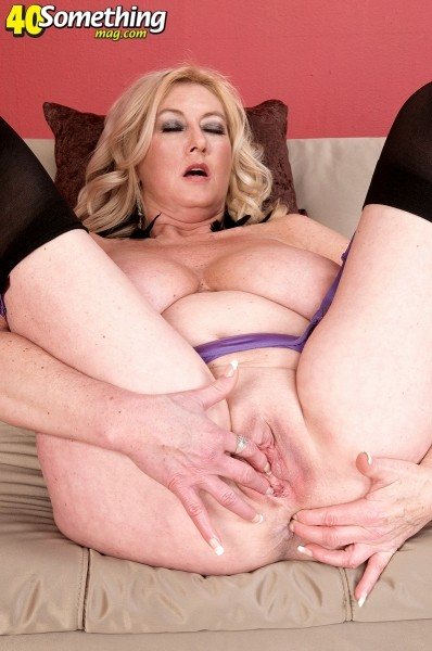 Big Tit Ass Squirt Solo