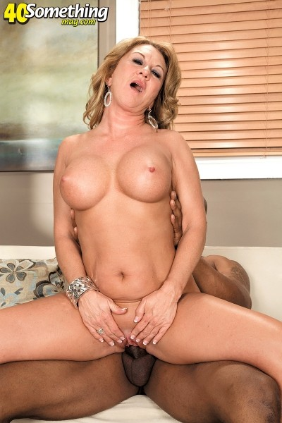 Cali Houston - XXX MILF photos