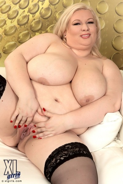 Annemari  - Solo BBW photos