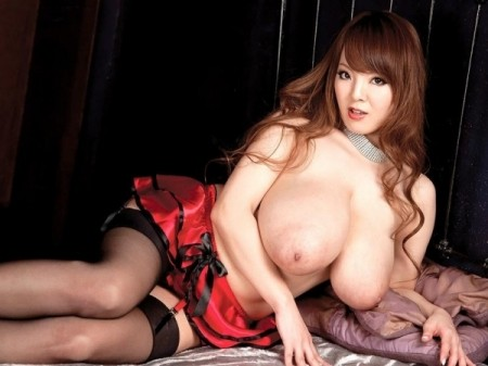 Hitomi - Solo Big Tits video