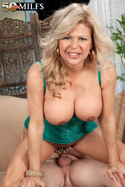 Big tits milfs galleries