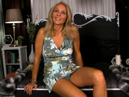 Chery Leigh - Interview Granny video