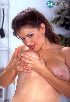 Karen Wellington - Solo Big Tits photos