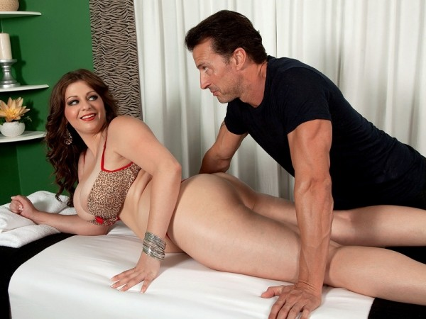 Jessica Roberts Rub Her Right, Then Pound Her
