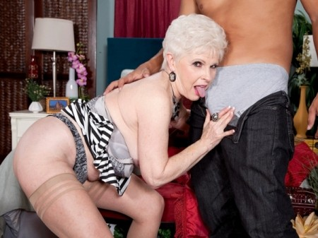 Juan Largo - XXX Granny video