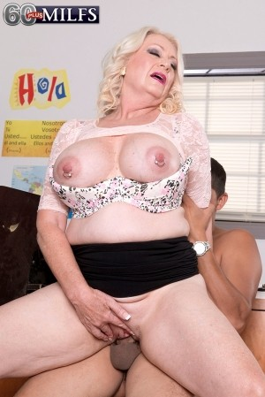 Juan Largo - XXX Granny photos